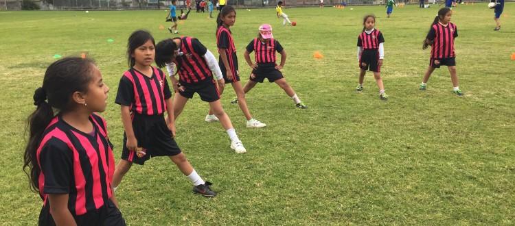 voetbal vrouwen project Ecuador