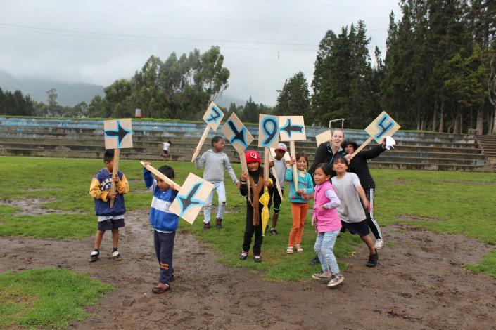 Weer of geen weer, Local Dreamers is altijd buiten. Spelletjesdag mei in de stromende regen.