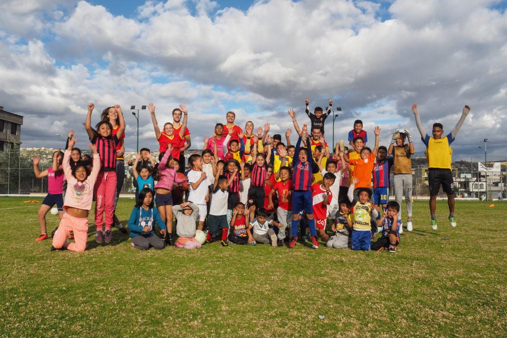 voetbalschool bezoek partner