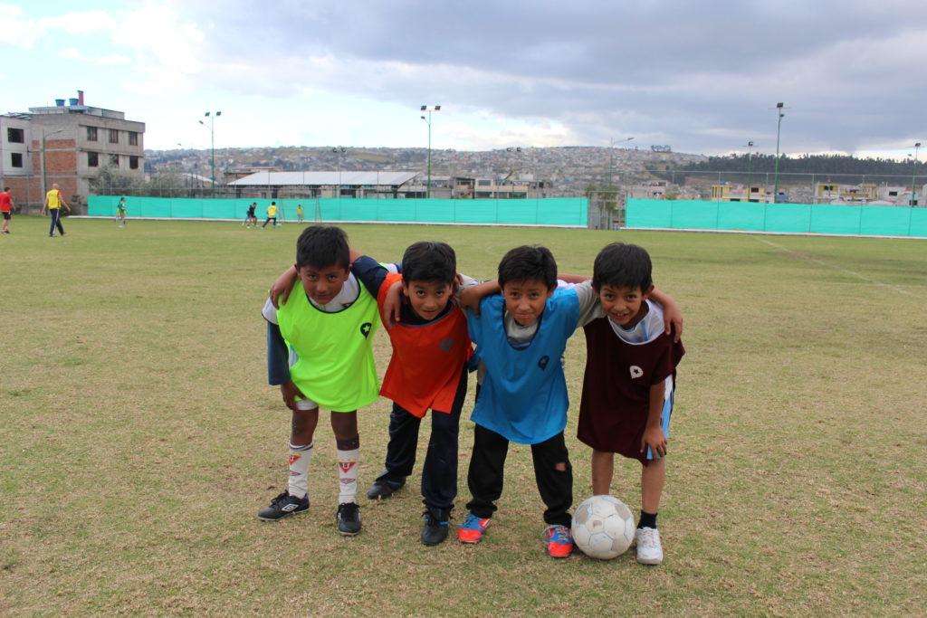 nieuwe hesjes voetbalschool