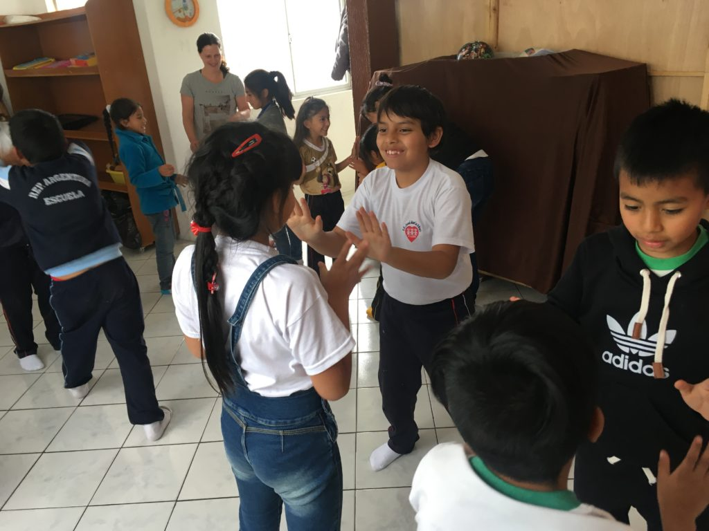 workshop rots en water in Ecuador