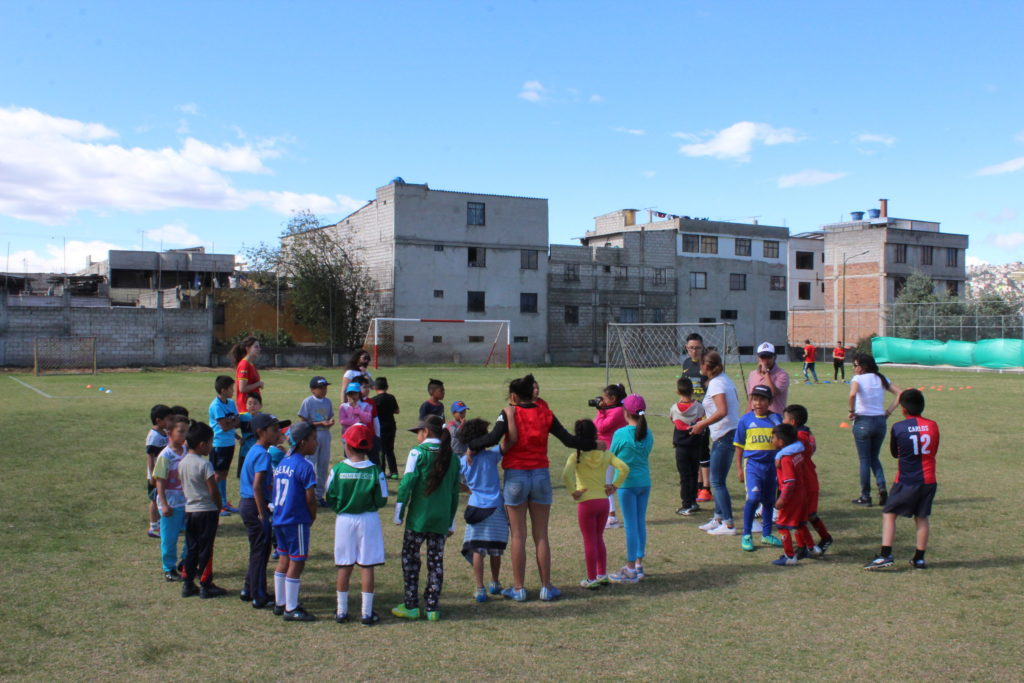 Bezoek aan de voetbalschool