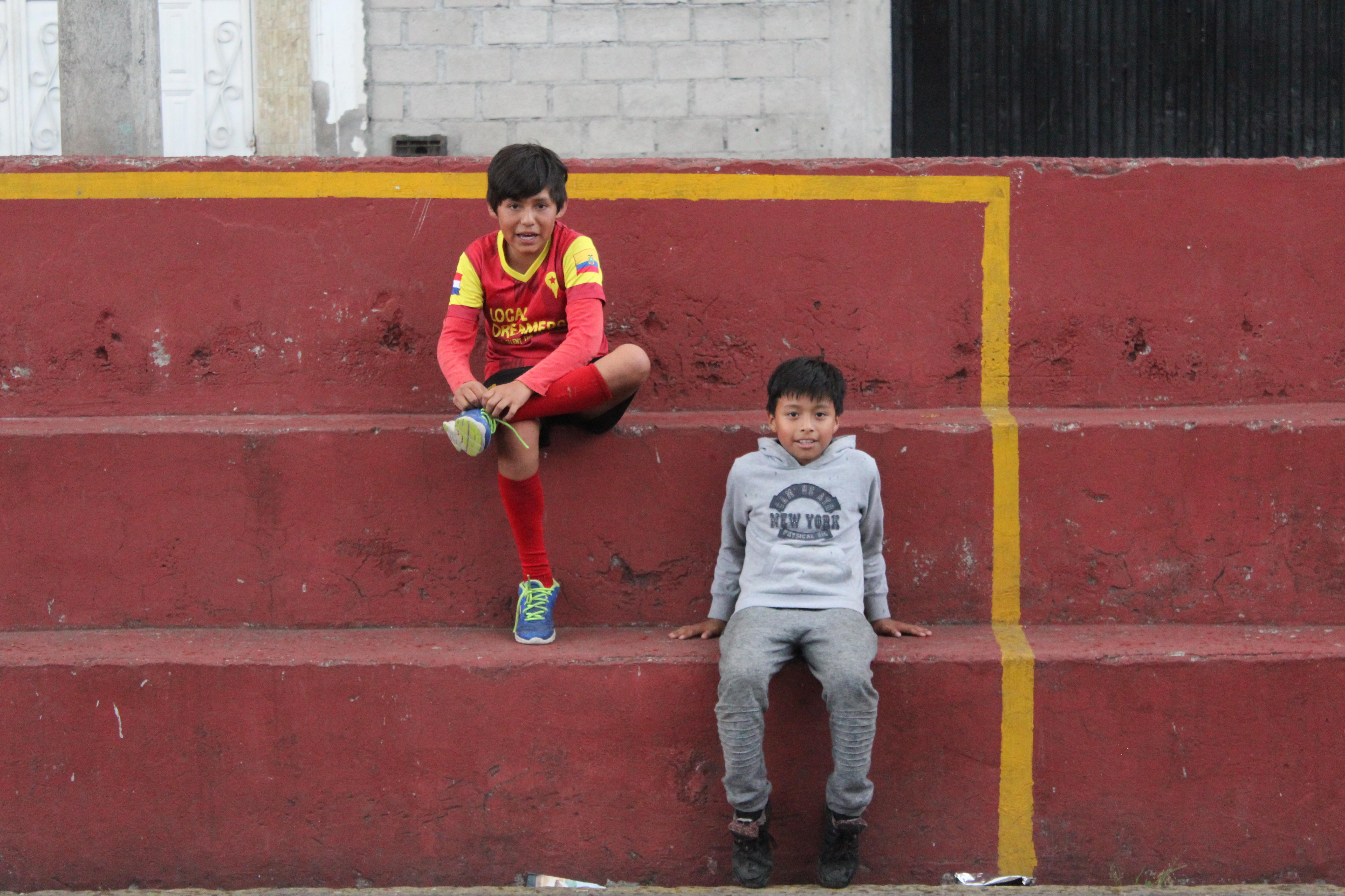 Na de training lekker uitpuffen op de tribune.